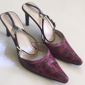 Gucci Two Tone Authentic Heels Comes With / COA